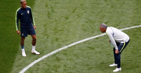 Placeholder - loading - Imagem da notícia Neymar está evoluindo e precisa de 5 jogos para entrar em plena forma, diz Tite