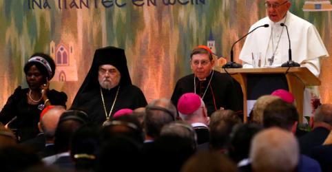 Placeholder - loading - Papa faz apelo para que cristãos rompam suas próprias barreiras