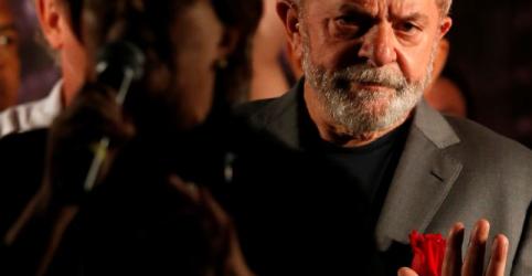 Placeholder - loading - Imagem da notícia Defesa de Lula nega ter pedido prisão domiciliar para ex-presidente