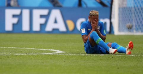 Choro é de 'alegria e superação', diz Neymar após gol e vitória do Brasil