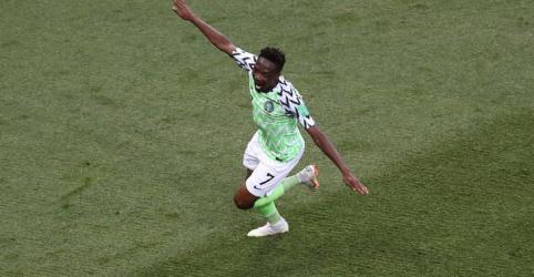 Placeholder - loading - Nigéria vence Islândia com dois gols de Musa e dá vida à Argentina