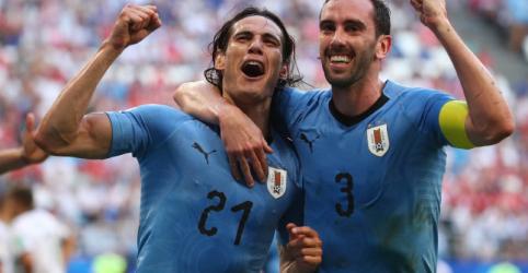Uruguai vence Rússia por 3 x 0 e termina na liderança do Grupo A