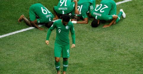 Placeholder - loading - Arábia Saudita se despede com virada sobre Egito apesar de gol de Salah