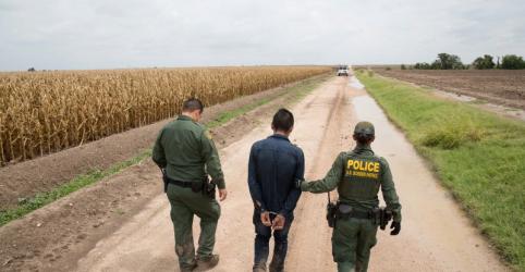 Placeholder - loading - Imagem da notícia Cresce número de mortes de imigrantes na fronteira dos EUA, diz agência de segurança