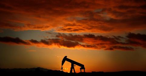 Placeholder - loading - EXCLUSIVO-EIG e Warburg Pincus participam de ofertas por campos maduros da Petrobras