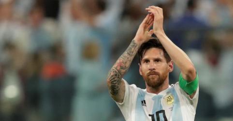 Placeholder - loading - Argentina marca no fim para vencer a Nigéria e avança às oitavas de final