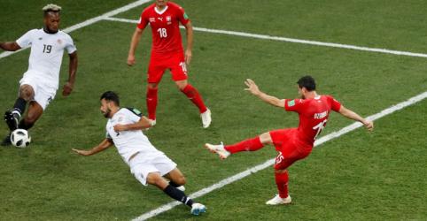 Suíça empata com Costa Rica e jogará contra a Suécia nas oitavas