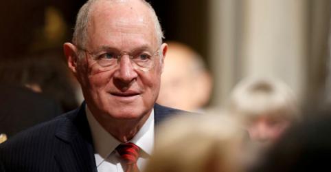 Placeholder - loading - Imagem da notícia Juiz Kennedy irá se aposentar e Trump possui chance de remodelar Suprema Corte dos EUA