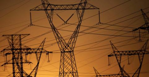 Placeholder - loading - Decisão judicial suspende leilão de transmissão de energia, diz Aneel