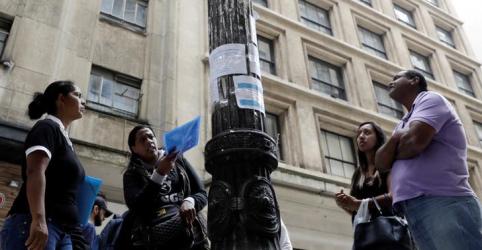 Desemprego cai a 12,7% no tri até maio com maior desalento do trabalhador