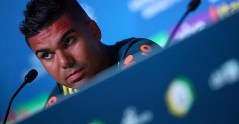 Placeholder - loading - Imagem da notícia Casemiro minimiza favoritismo do Brasil contra México