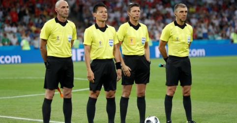 Placeholder - loading - Imagem da notícia Italiano Rocchi será árbitro de Brasil x México pelas oitavas de final