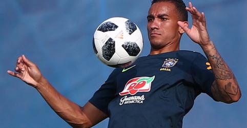 Danilo se recupera e fica à disposição para jogo do Brasil com México; Marcelo ainda é dúvida