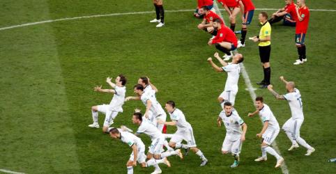 Rússia vence Espanha nos pênaltis e vai às quartas de final da Copa do Mundo