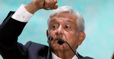 Placeholder - loading - Imagem da notícia Trump e López Obrador discutem imigração e comércio em primeiro telefonema