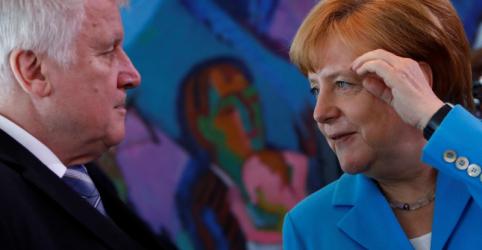 Conservadores de Merkel chegam a acordo sobre imigração
