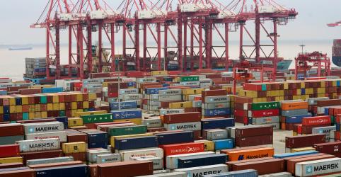 China diz que não vai disparar primeiro tiro em guerra comercial com os EUA