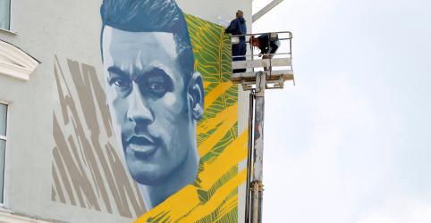 Placeholder - loading - Imagem da notícia Neymar ganha mural em cidade russa que já homenageou Cristiano Ronaldo e Messi