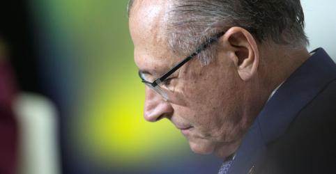 Placeholder - loading - Imagem da notícia Alckmin tenta atrair partidos de centro, mas grupo tende a apoiar Ciro Gomes, dizem fontes