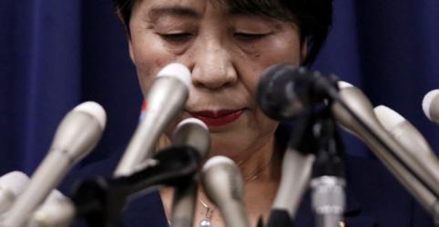 Placeholder - loading - Imagem da notícia Japão executa líder e 6 membros de seita responsável por ataque com gás sarin em 1995