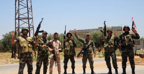 Placeholder - loading - Imagem da notícia Rebeldes do sul da Síria anunciam cessar-fogo em meio a avanços de Assad