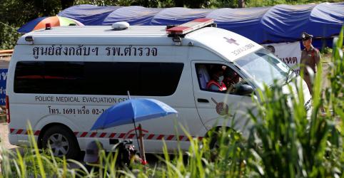 Quinto menino é resgatado de caverna na Tailândia em 2º dia de resgate, diz autoridade