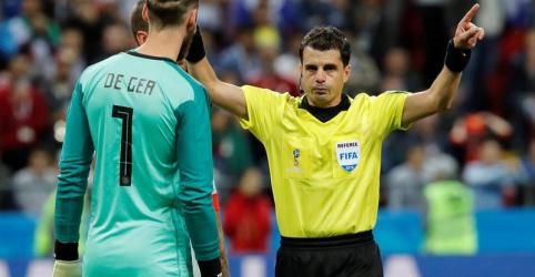 Placeholder - loading - Imagem da notícia Juiz uruguaio vai apitar duelo França x Bélgica pela semifinal da Copa