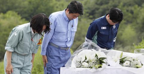 Placeholder - loading - Imagem da notícia Premiê do Japão visita zona atingida por enchentes e promete ajuda em meio a novos alertas