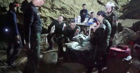 Placeholder - loading - Técnico de meninos tailandeses resgatados é 'homem humilde' em busca de cidadania