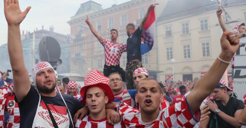 Orgulho e lágrimas para croatas depois da derrota na decisão do título