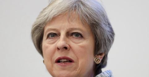 May enfrenta batalha no Parlamento sobre comércio pós-Brexit após concessão