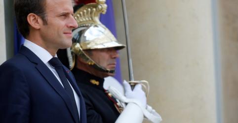 Macron demite guarda-costas filmado espancando manifestante