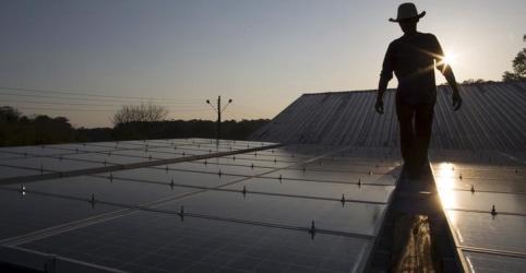 Placeholder - loading - Imagem da notícia Petroleira Total avalia novas aquisições de projetos de energia limpa no Brasil