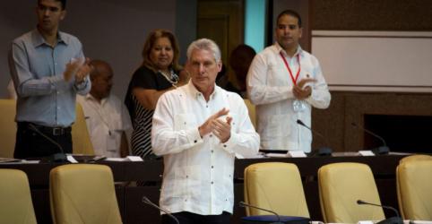 Presidente de Cuba aponta crescimento econômico aquém da expectativa após aprovação de nova Constituição