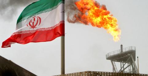 Placeholder - loading - Imagem da notícia Irã diz que responderá da mesma maneira se EUA tentarem bloquear exportações de petróleo