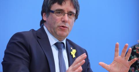 Placeholder - loading - Imagem da notícia Ex-líder catalão Puigdemont retornará à Bélgicapara continuar campanha separatista