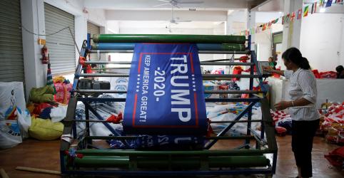 Placeholder - loading - Imagem da notícia Made in China: bandeiras para reeleição de Trump podem ser alvo de tarifas dos EUA