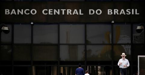 Placeholder - loading - Imagem da notícia Santander Brasil e Bradesco sobem juros do rotativo do cartão de crédito e afetam média, aponta BC