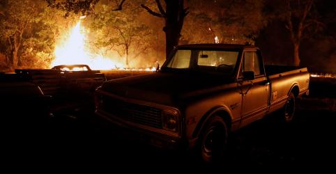 Placeholder - loading - Incêndio florestal na Califórnia deixa dois mortos e provoca fuga de moradores