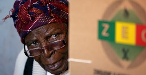Eleitores do Zimbábue votam em primeira eleição pós-Mugabe; presidente diz que pleito será justo