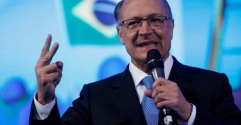 Alckmin promete 'passar tesoura' nos gastos e tributar dividendos