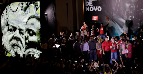 Placeholder - loading - Imagem da notícia Lula fala em eleição de cartas marcadas e líderes do PT negam ideia de plano B