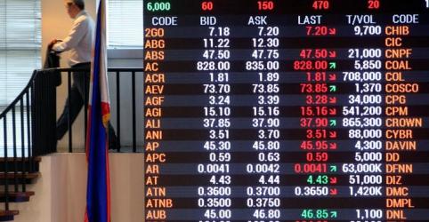 Placeholder - loading - Imagem da notícia Mercados acionários chineses caem após Pequim e Washington intensificarem guerra comercial