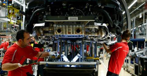 Placeholder - loading - Imagem da notícia Produção industrial da Alemanha encolhe mais que o esperado em junho