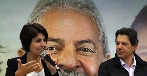 Placeholder - loading - Imagem da notícia Manuela diz que ela e Haddad estão preparados para vencer eleição em qualquer cenário