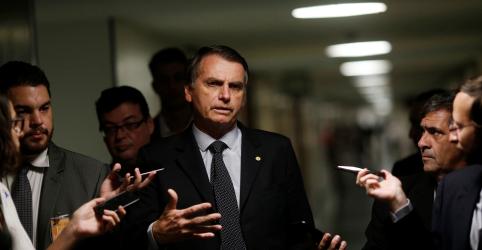 Placeholder - loading - Imagem da notícia Bolsonaro critica Alckmin por agora querer se passar de 'amigo do agronegócio'