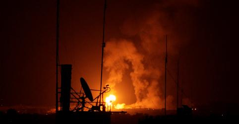 Placeholder - loading - Imagem da notícia Hamas dispara foguetes e Israel bombardeia Gaza apesar de conversas de trégua