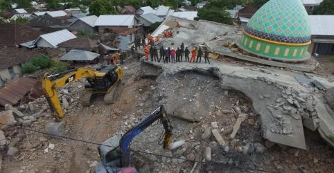 Sobe para 259 número de mortos por terremoto na Indonésia