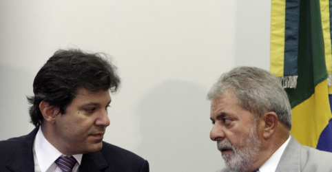 Placeholder - loading - Imagem da notícia Lula manda recado e reforça que Haddad é sua voz na campanha eleitoral enquanto estiver preso