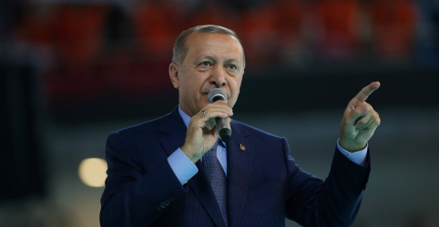 Erdogan pede que turcos comprem liras para 'batalha nacional'